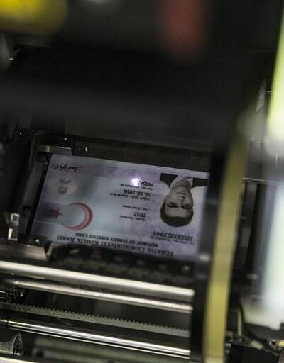 YSK çipli kimlik kartı iddialarını yalanladı