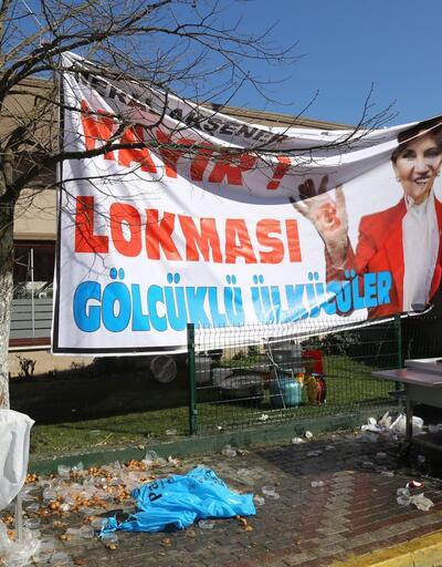 Ülkücüler Meral Akşener'in İzmit'teki toplantısını bastı