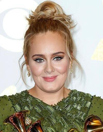 İngiltere'nin en zengin kadın müzisyeni: Adele