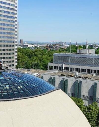 Köln'de inşa edilen DİTİB Camiinin hilalleri takıldı