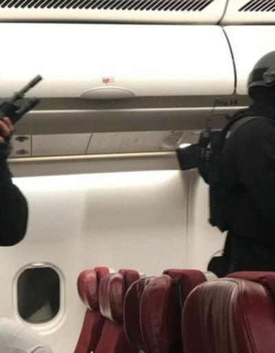 Malezya Havayolları uçağının kokpitini tehdit eden adam böyle çıkarıldı