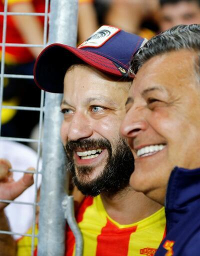 Eskişehirspor-Göztepe maçında tribünde ünlü simalar