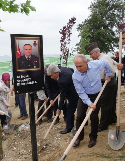İstanbul'da 13 şehidin anısına 13 çınar dikildi