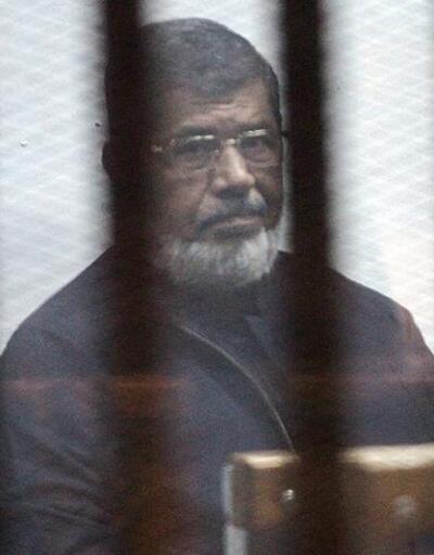 Mursi'den 'Vatanım ve dinim için buradayım' mesajı