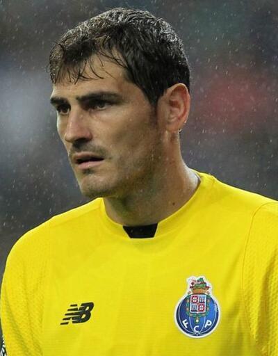 Casillas'tan Aboubakar'a 'telefon' göndermesi