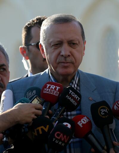 Cumhurbaşkanı Erdoğan'ın bayram namazı fotoğrafları: Camide rahatsızlık geçirdi