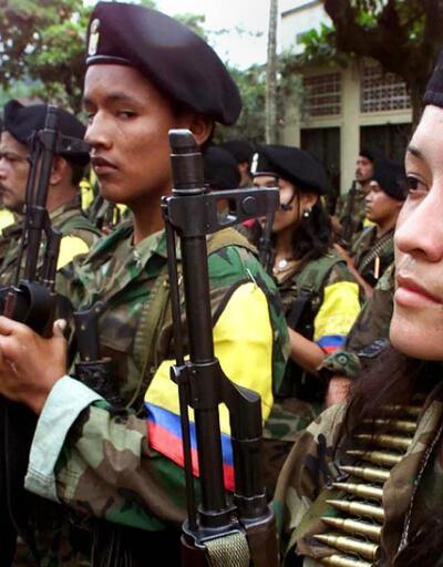 Kolombiya'da FARC tüm silahlarını teslim etti