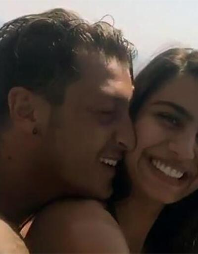 Mesut Özil ve Amine Gülşe Ibiza tatilinde
