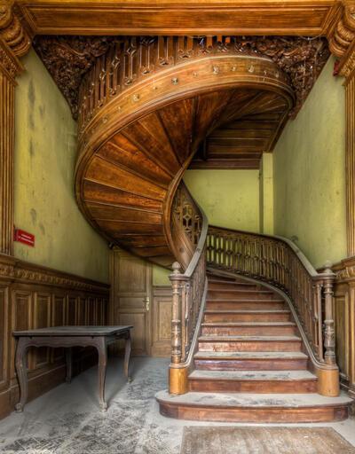 Hayalet mekanların peşinde: Terk edilmiş merdivenler