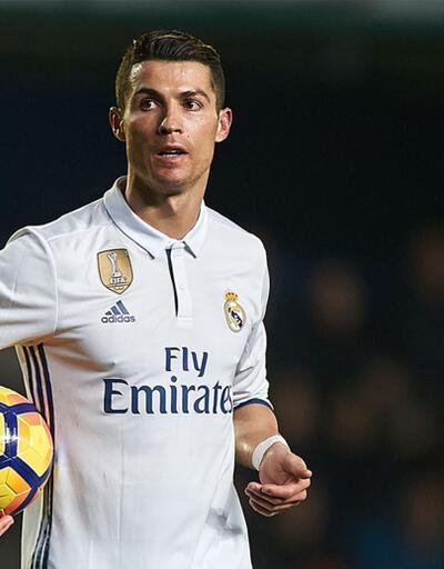 AS: Ronaldo Real Madrid'de kalmaya karar verdi