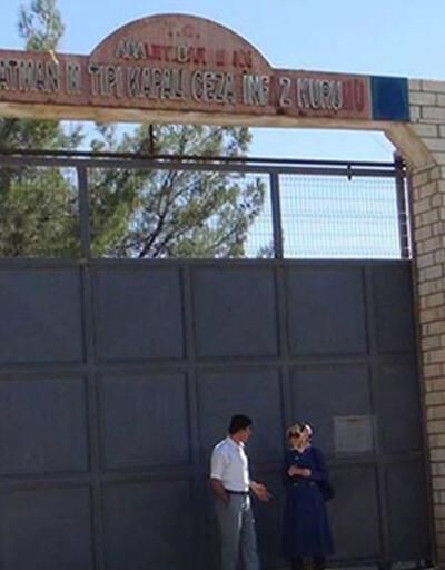 Bebeğiyle cezaevine konulan kadın polis serbest bırakıldı