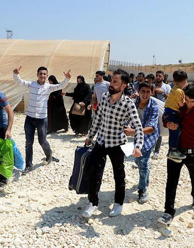 30 bin Suriyeli sığınmacı ülkesine geçti