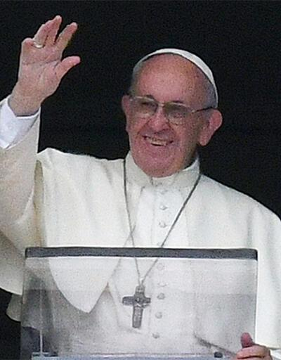 Papa'ya 'kafirlik' suçlaması