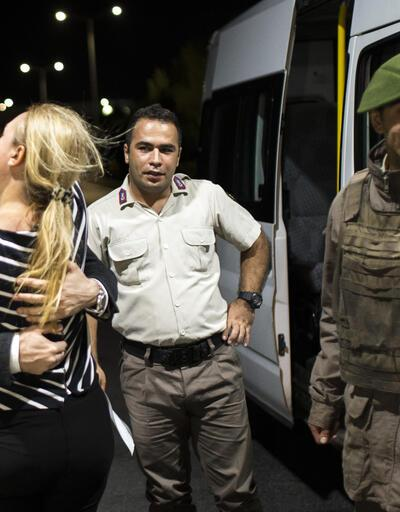 CHP'li Mahmut Tanal: Onlar öpüşürken gittim eşyaları taşıdım; dünya mı yıkıldı?