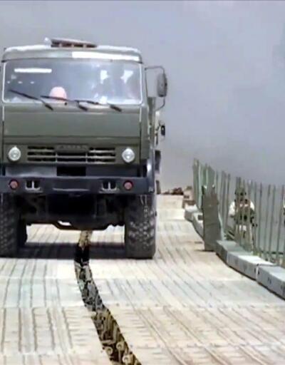 Rusya, Suriye'de Fırat Nehri üzerine köprü inşa etti