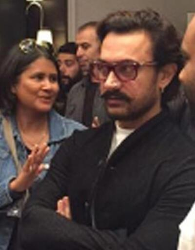 Aamir Khan İstanbul'da yaşayan Hintlilerle buluştu