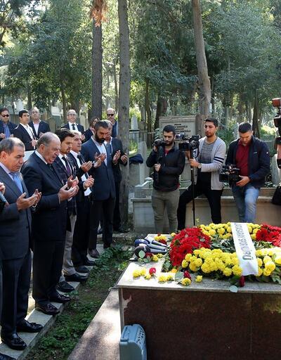 Galatasaray camiası Ali Sami Yen ve Süleyman Seba'yı mezarları başında andı