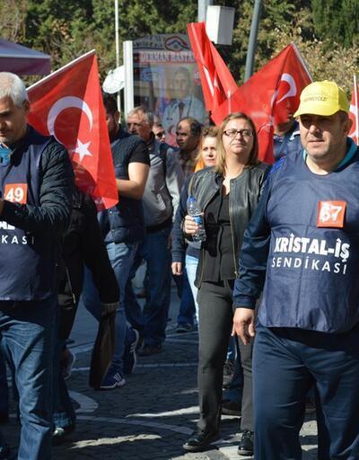 İşten çıkarılan işçiler İstanbul'a yürüyor