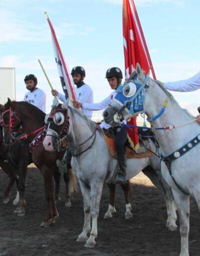 Erzurum'da yem ödüllü cirit turnuvası