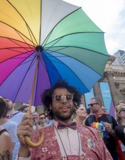 Avustralya'da halkın %61'i eşcinsel evlilikler için 'Evet' dedi