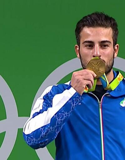 Olimpiyat şampiyonu depremzedeler için madalyasını satıyor