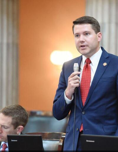 LGBTİ karşıtı meclis üyesi eşcinsel ilişkiye girerken yakalandı