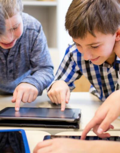 Çocuklarda dijital ekrana maruz kalmak konuşma gecikmesine neden oluyor