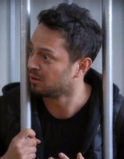 Beyaz, Murat Boz'u kafese koydu