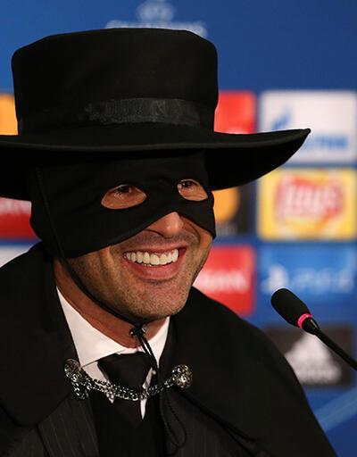 Fonseca sözünü tuttu, Zorro kıyafeti giydi