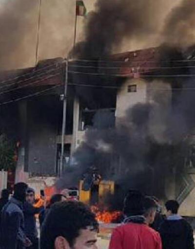 Irak'ın kuzeyi karıştı, parti binaları ateşe verildi