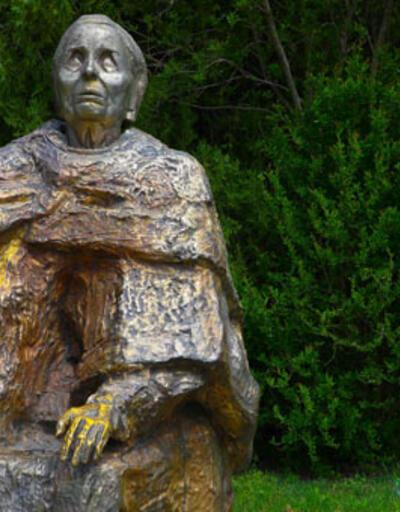 Dünyanın en ünlü kahini Baba Vanga'nın 2018 için bilinmeyen bir kehaneti ortaya çıktı