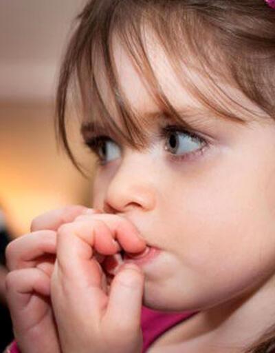 Çocuklarda tırnak yeme alışkanlığı neden kaynaklanır, nasıl önlenir?