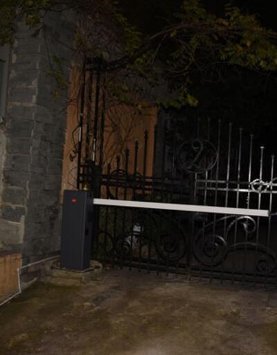 Arda Turan mekanın arka kapısından böyle kaçtı