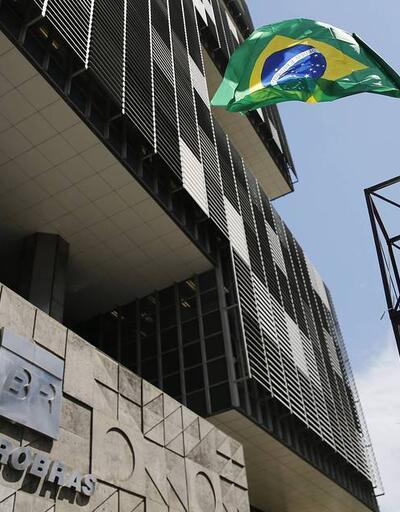 Petrol şirketi Petrobras, yolsuzluk davaları kapansın diye 2.9 milyar dolar teklif etti