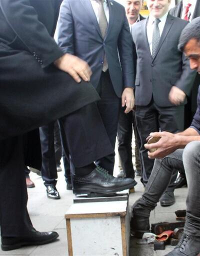 Başbakan Yardımcısı Fikri Işık esnafla pazarlık yaptı