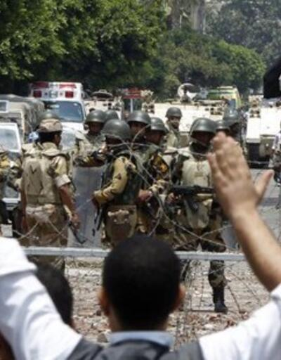 Mısır'da darbe karşıtı 51 kişiye 15'er yıl hapis kararı