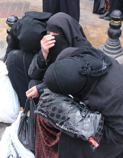Şanlıurfa'da kadınlar bedava dağıtılan ekmek kuyruğunda