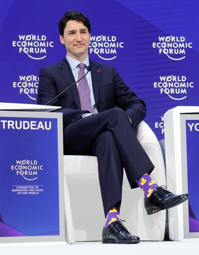 Davos'a Justin Trudeau'nun çorapları damga vurdu