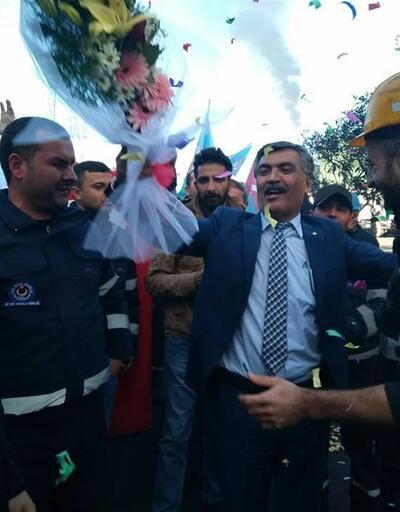 Çanakkale'de metal işçileri zammı konfeti patlatarak kutladı