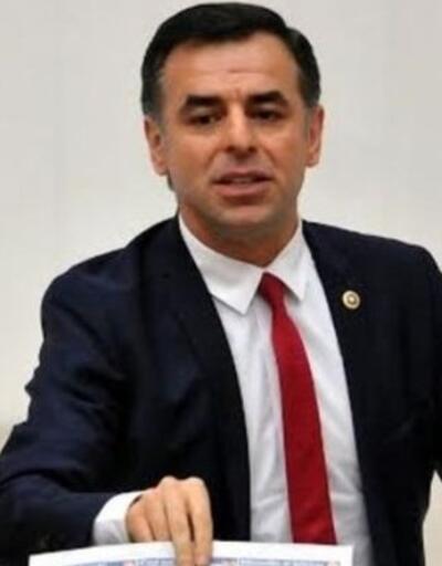 Barış Yarkadaş Meclis'te 'Sadece Diktatör'den bölüm okudu