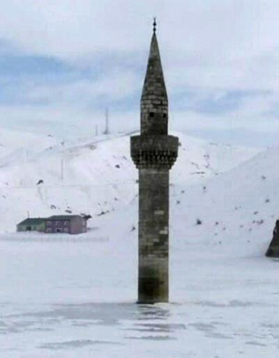 Ağrı'nın 'buzdan çıkan minare'si