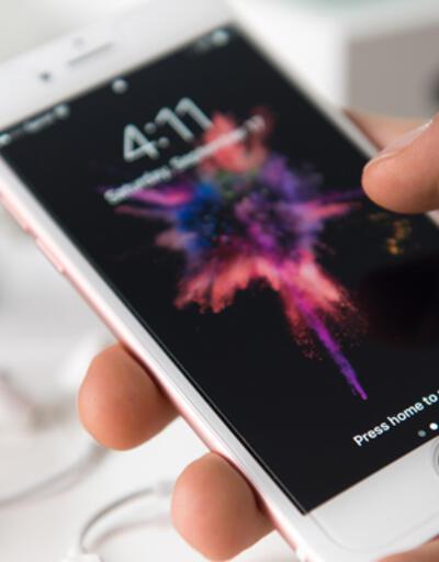 iPhone satışları düştü ancak Apple gelirlerinde rekor