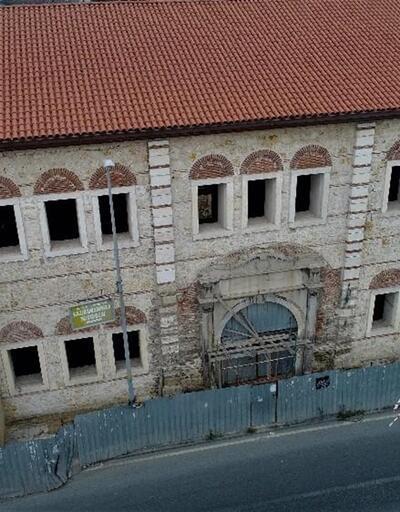 İstanbul'da büyük rezalet! Tarihi yapıyı böyle restore ediyorlar