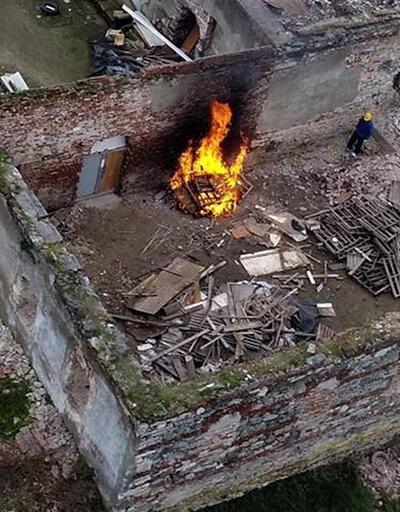 İstanbul'da tarihi yapıda ateş yakıldı