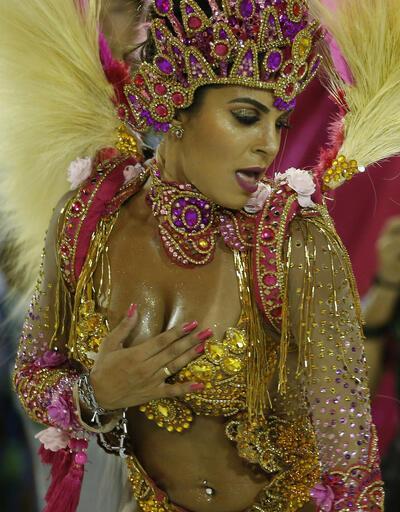 Dünyanın en büyük ve en renkli karnavalından kareler