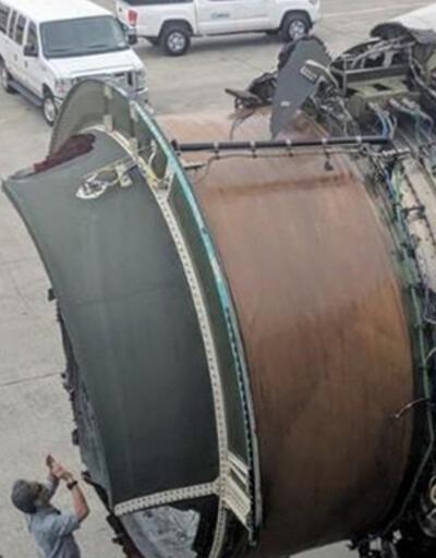 Havada panik: Yolcu uçağının motor kapağı koptu