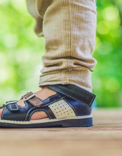 """""""Çocuğunuza evde ayakkabı giydirmeyin"""""""