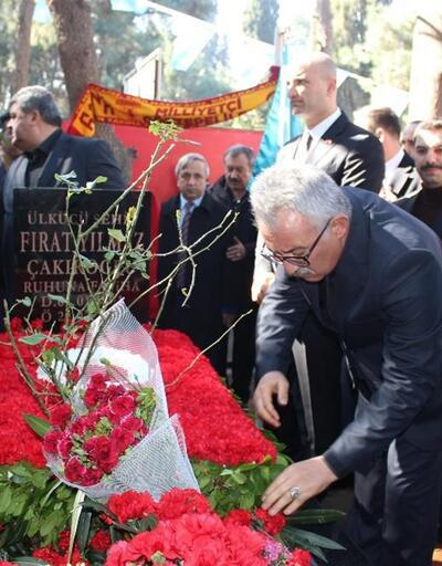 Ülkücü Fırat Çakıroğlu mezarı başında anıldı