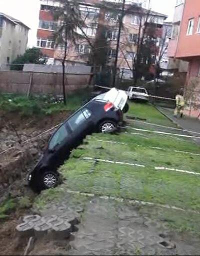 Kadıköy'de toprak kaydı! Bina boşaltıldı