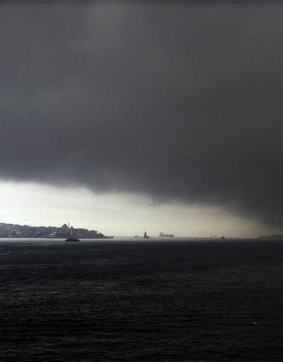 İstanbul kar beklerken bir anda simsiyah oldu
